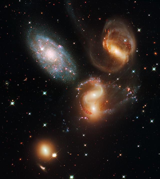image: HubbleColor (cc: by)